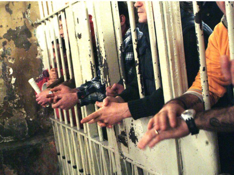 Sventato suicidio di giovane detenuto