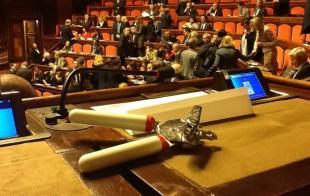 M5S-apriscatole-per-aprire-il-Parlamento