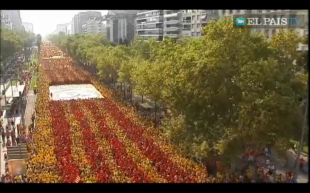 """""""Ara es la hora"""": 2 milioni di persone in piazza in Catalogna per chiedere l'indipendenza"""