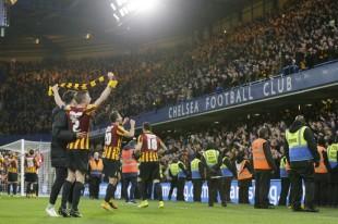 I giocatori del Bradford in festa a Stamford Bridge