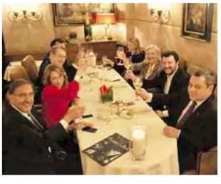 Una foto della cena di qualche giorno fa con Le Pen, Salvini e Meloni