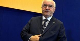 Calcio. La parabola fantozziana di Tavecchio nella Megaditta (commissariata) dello sport italiano