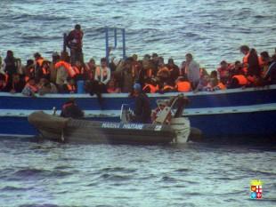 Immigrazione. Il corto circuito per i cattolici tra le parole di Ravasi sull'accoglienza, le regole e i confini