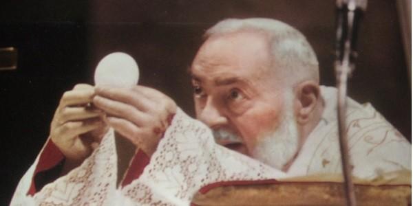 Roma, domani Ztl del centro aperta 14-18 per processione San Pio