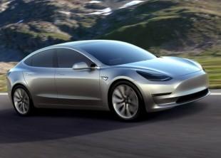 "Scintill&Digitali. Tesla vara l'auto elettrica ""low cost"""