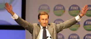 Gianfranco Fini al congresso di Futuro e Libertà a Perugia