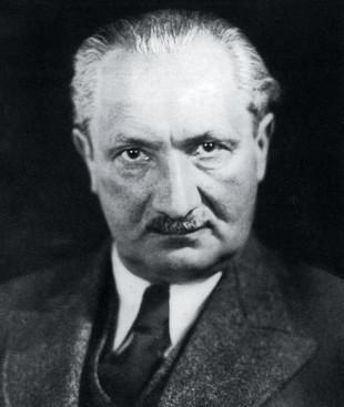 'Essere e tempo'. Un anniversario per  spiegare con Heidegger il presente precario