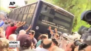 Il caso. Tagli di Tsipras al welfare: esplode la rivolta dei pensionati greci