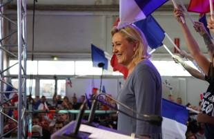 Francia. I sondaggi premiano Le Pen e Fillon, socialisti irrilevanti