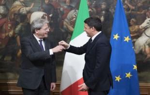 Il passaggio di consegne da Renzi a Gentiloni