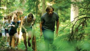 Cinema. Viggo Mortensen è Captain Fantastic: la natura primordiale si oppone alla modernità