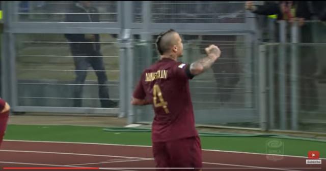 Calcio. A Nainggolan bastano 45 minuti per vincere il derby
