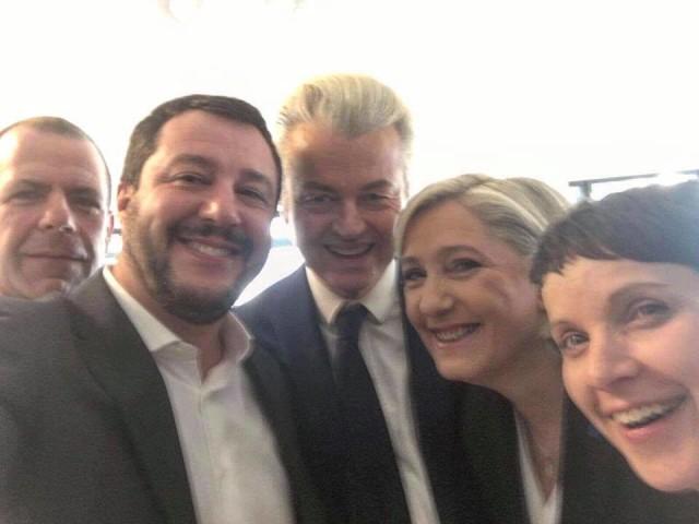 """Coblenza. Il raduno delle destre con la Le Pen. Salvini: """"Scandalo soccorsi ai terremotati"""""""