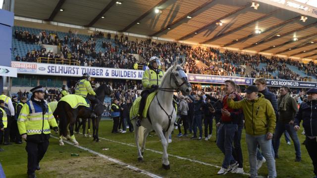 FA Cup/1. Riecco il Millwall: eliminato il Leicester (con polizia a cavallo)
