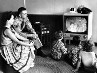 Iconica immagine di una famiglia statunitense degli Anni '50.