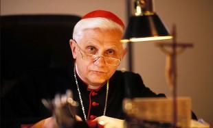 """Chiesa. """"La Forza del Silenzio"""", le meditazioni di Ratzinger per i tempi moderni"""