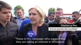 Marine Le Pen acclamata dagli operai davanti allo stabilimento Whirlpool
