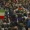 Il ricordo. I volti dignitosi degli italiani che portarono l'ultimo saluto ad Almirante