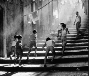 """Libri. """"La compagnia delle anime finte"""": con Wanda Marasco nella Napoli visionaria"""