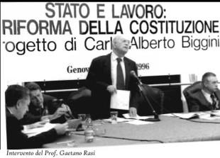 Gaetano Rasi in piedi ad un convegno