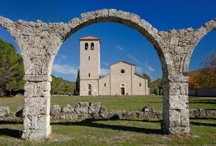 Cultura. La storia dimenticata dei monaci del Volturno massacrati dai saraceni