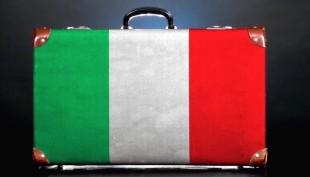 Il caso. Esodo di 120mila italiani dal Paese e il governo pensa ad accogliere immigrati