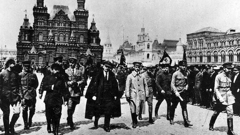 Democrazia Oggi - La Rivoluzione d'ottobre e le eresie interne