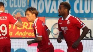 #SerieB. Bari torna corsaro dopo nove mesi: vittoria sul Novara (1-2) e primato