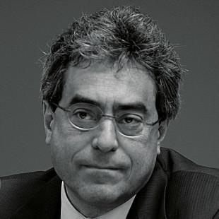 Il direttore editoriale della casa editrice, Luca Gallesi