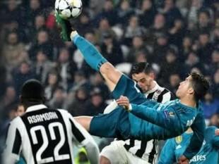 Calcio. Cristiano Ronaldo a testa in giù, la magia del calcio in rovesciata