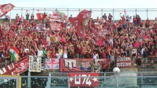 Calcio. Fallisce la Reggiana: lo stadio, lo zio d'America e la passione che (non) muore