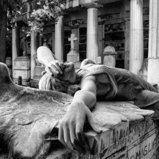 Artefatti. Al cimitero di Staglieno, il trionfo della Morte nell'apoteosi dell'al di qua