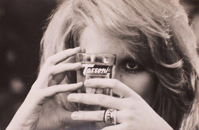 Pop. Mina, Carosello e quella sfida antica alla Coca-Cola: la Tassoni compie 225 anni