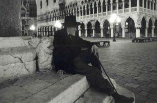 """Venezia. In scena al Teatro Goldoni """"Ezra in gabbia"""", spettacolo su Pound"""