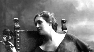 Effemeridi. La poetessa Sibilla Aleramo tra Evola, Dino Campana, Quasimodo e l'Urss