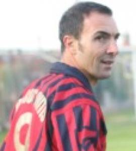 Figurine. Checco Ingenito, il re del gol tra Angelillo e Gonzalo Higuain