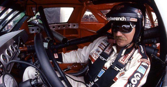Automobilismo. La tragedia di Dale Earnhardt commuove la Nascar