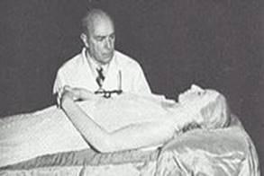Il dottor Ara ed il corpo mummificato di Evita