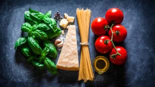 Il caso (di M.Fini). L'Italia si riscopre antiUsa per i dazi sulla mozzarella (non per il Cermis)