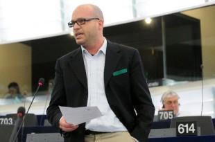 Il capodelegazione della Lega Nord in parlamento europeo Lorenzo Fontana