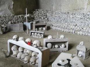 il-cimitero-delle-fontanelle