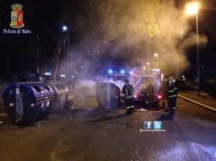 Una immagine degli scontri a Tor Sapienza