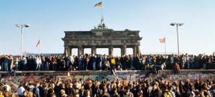 La porta di Brandeburgo venticinque anni fa