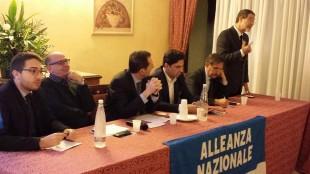 Al tavolo Salvo Pogliese (Forza Italia), Ignazio La Russa (Fratelli d'Italia) e in piedi Nello Musumeci (La Destra)