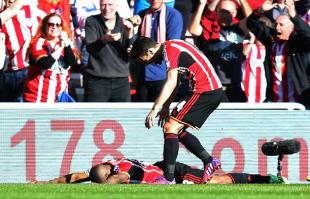 Le lacrime di Defoe dopo il gol del vantaggio