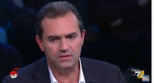 """Napoli. De Magistris sbianchetta le strade, revocata l'intitolazione al """"fascista"""" Tecchio"""