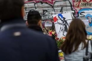 Parigi, novembre 2015. Il ricordo dei caduti (foto Daniele Ferretti)