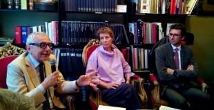 Benedetta Craveri in un incontro a Bari con il francescista Fiorentino e l'assessore comunale Silvio Maselli