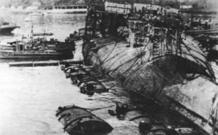 """Sebastopoli, URSS, 28 ottobre 1955. La """"Novorossijsk"""" (ex Giulio Cesare"""") affondata. Per anni è circolata la leggenda che gli autori dell'affondamento fossero ex uomini gamma italiani. La data della tragedia, d'altronde, ha contribuito ad alimentare tali teorie."""