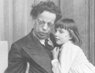 Giovanni Papini con la nipote